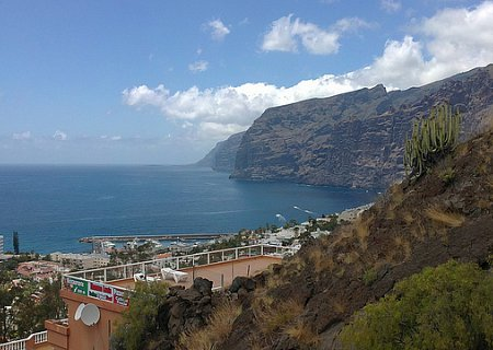 Image of Los Gigantes from Hans and Marcus walking tours